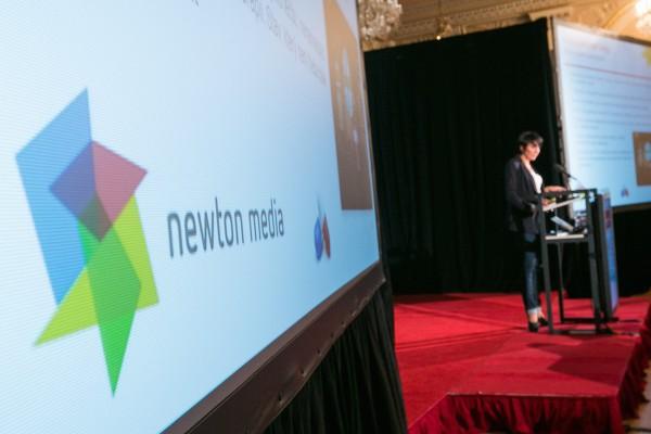 Anopress splyne s mateřskou firmou Newton Media