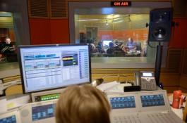 Českému rozhlasu Plus chybí názorová pluralita, kritizují radní