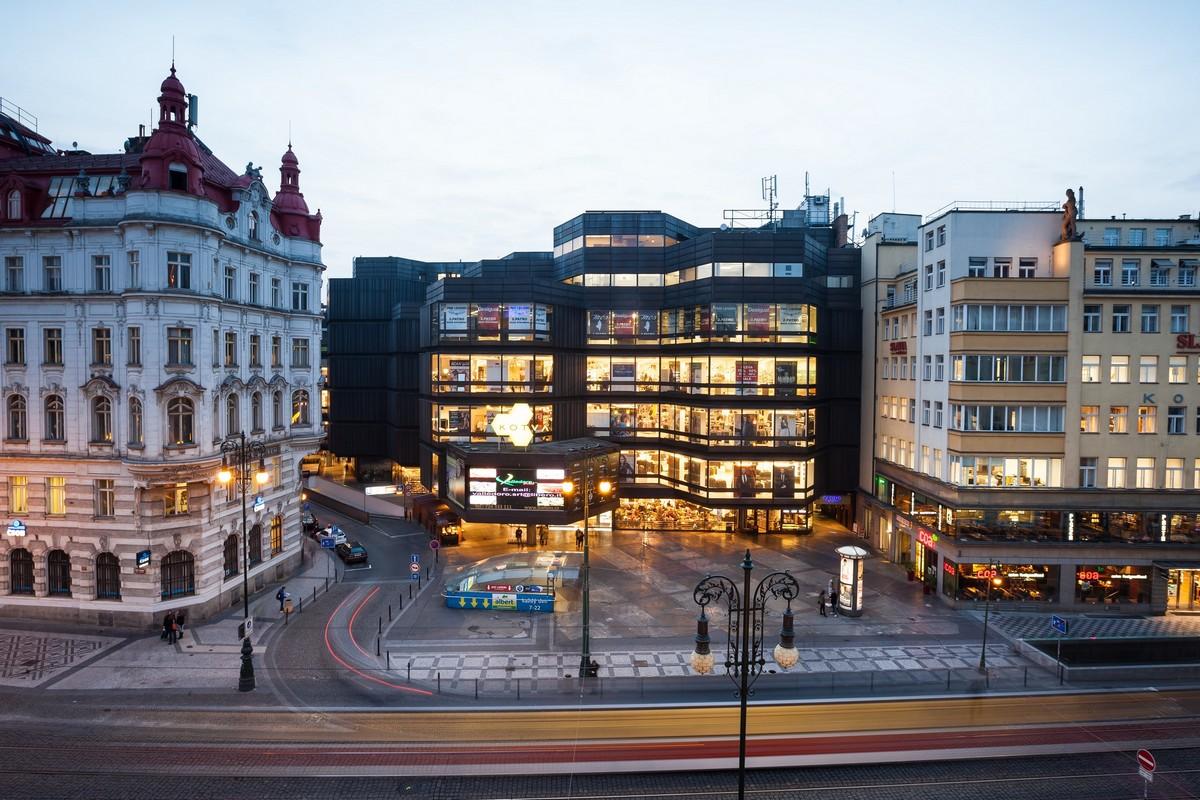 Pražský obchodní dům Kotva