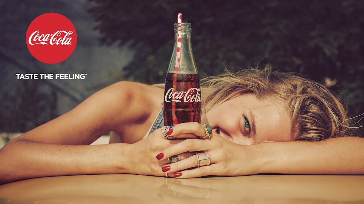 Billboard z nové kampaně Coca-Coly