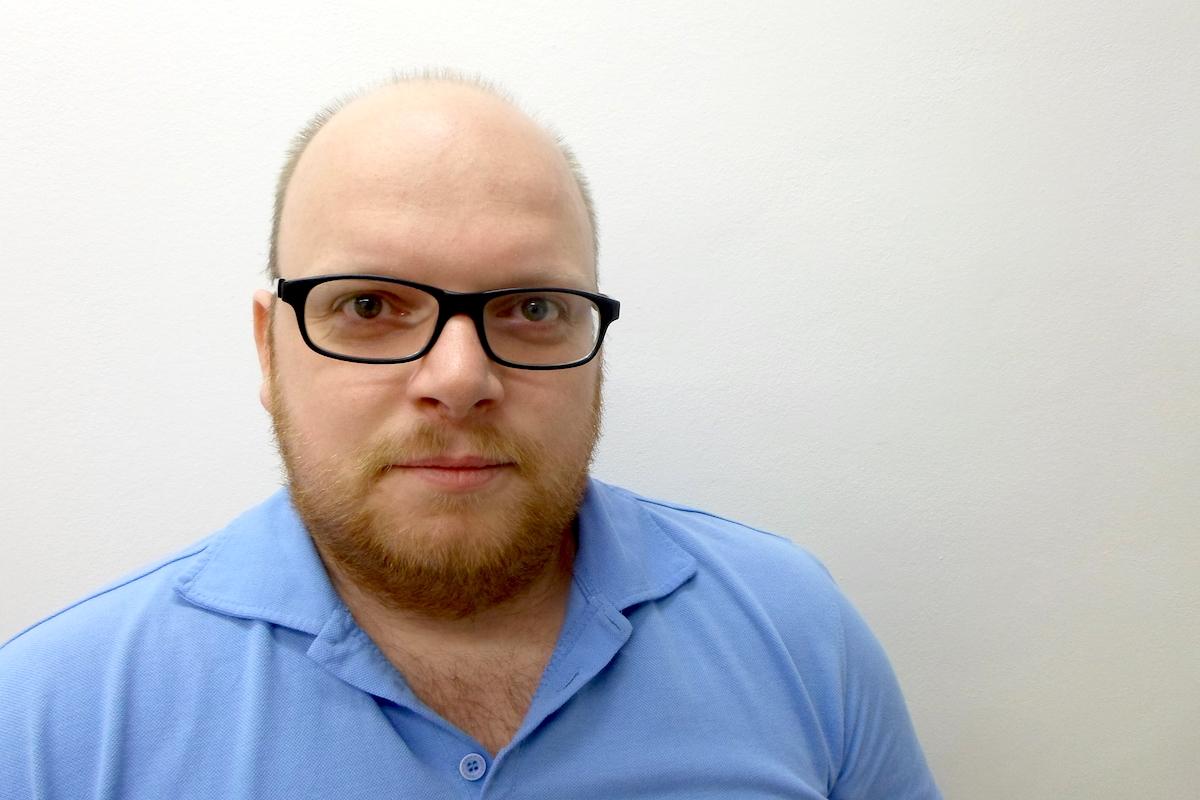 Filip Sušanka studoval žurnalistiku a politologii na Masarykově univerzitě v Brně. Deset let působil jako redaktor v několika celostátních médiích. Do Ekospoluu přešel v listopadu 2015 z České tiskové kanceláře, kde tři roky psal jako ekonomický redaktor o stavebnictví