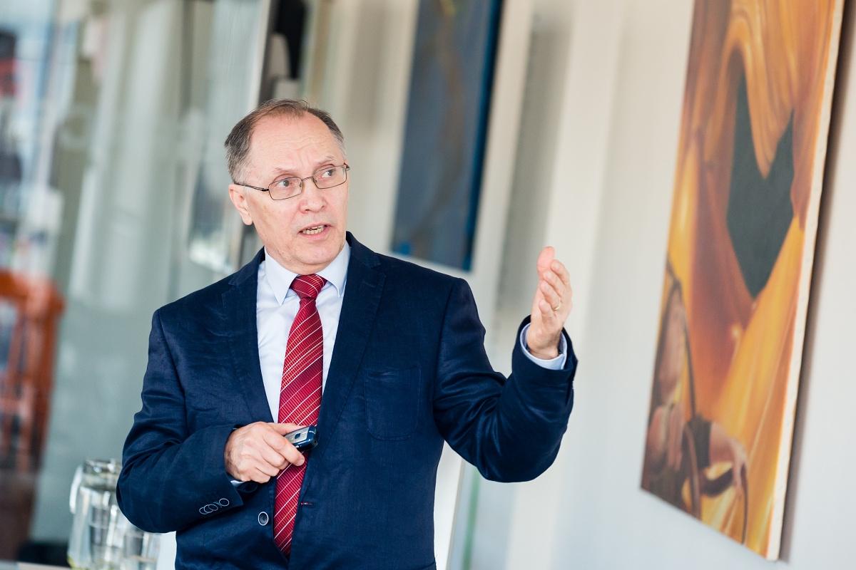 Profesor Hynek Jeřábek