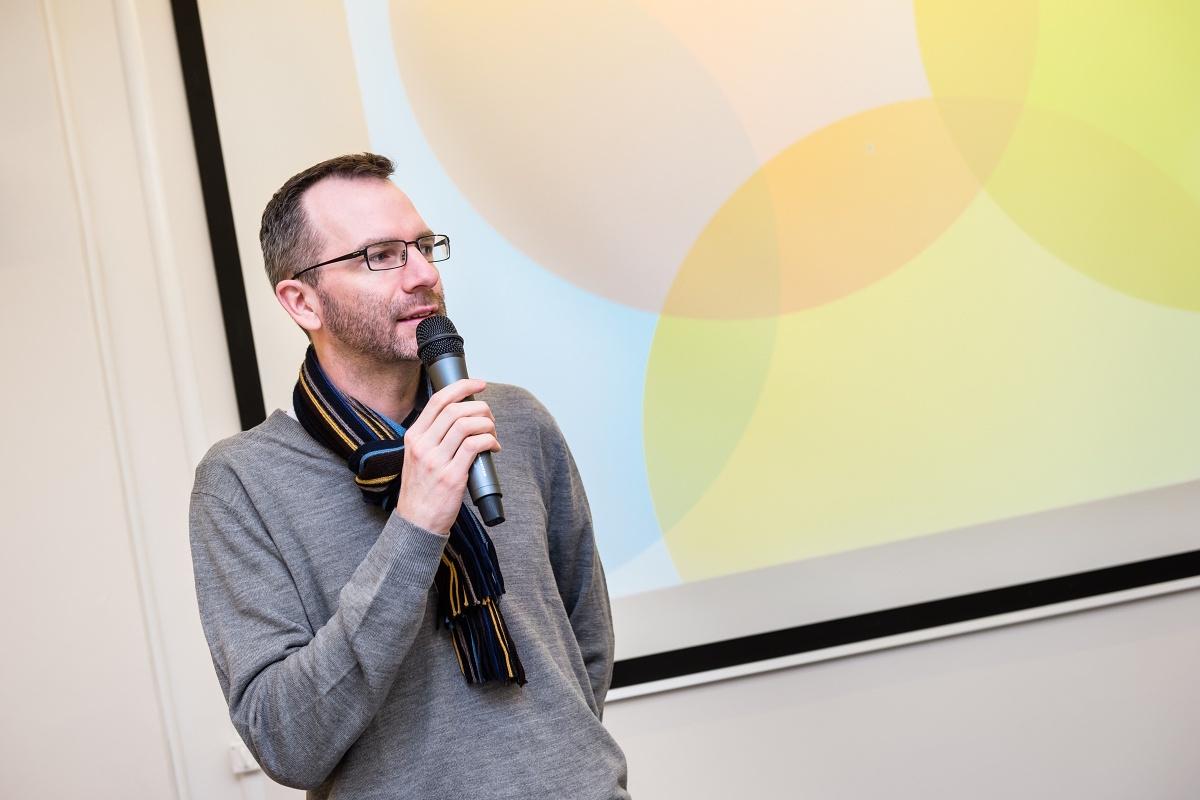 Patrika Schobera přivítal šéfredaktor Médiáře Ondřej Aust v pracovním úboru. Foto: Vojta Herout