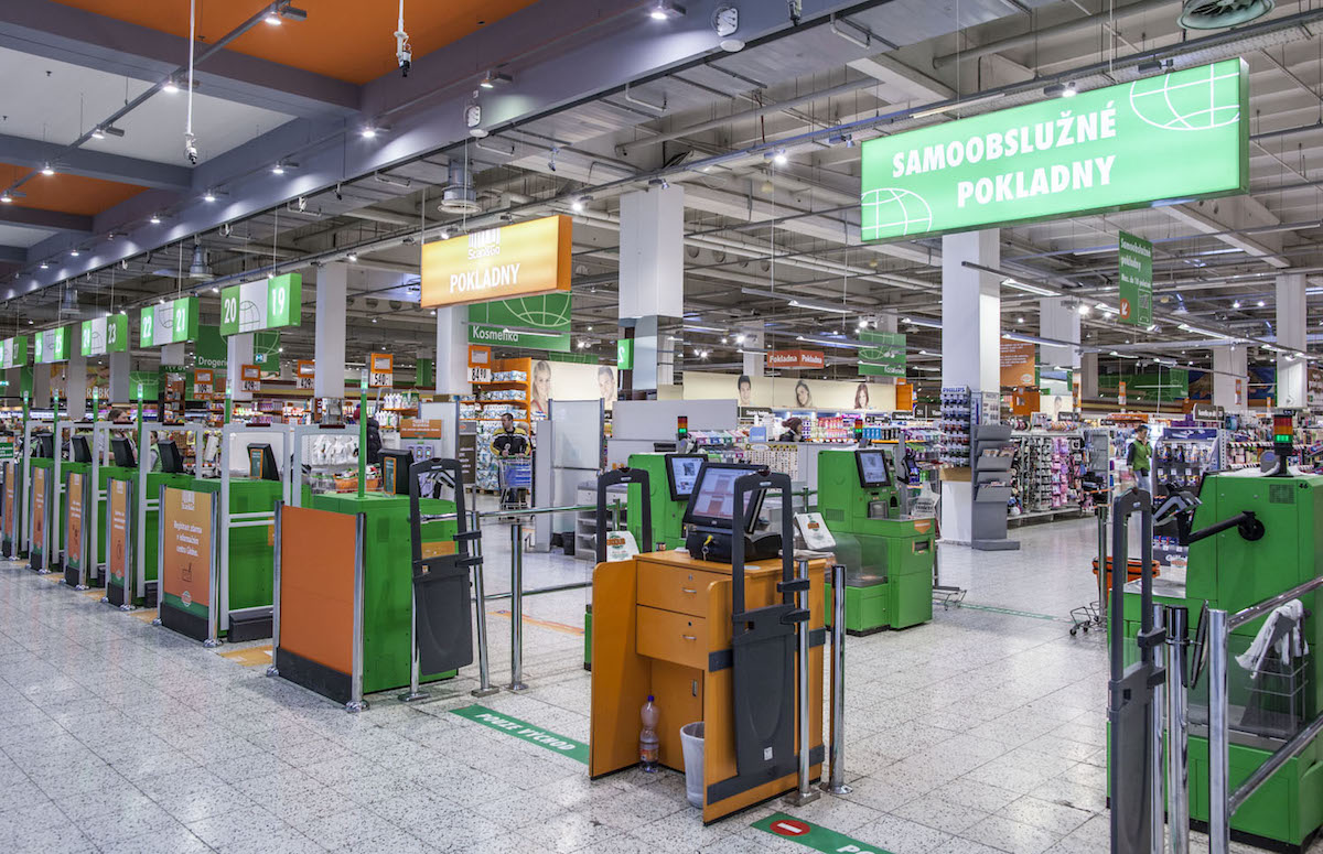 Nákupní terminály se samoobslužnou metodou MasterPass v čakovickém Globusu