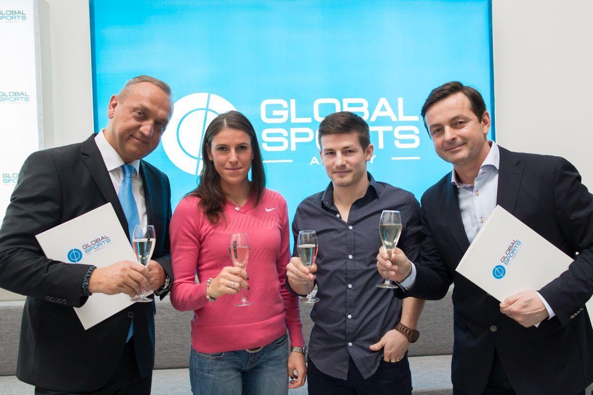 Zleva Pavel Zíka, Zuzana Hejnová, Václav Pilař a Jakub Dlouhý. Foto: Global Sports