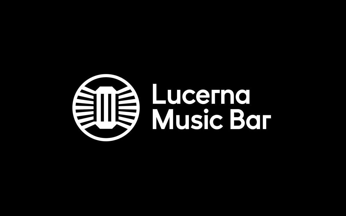 Nová podoba loga v sobě skrývá symboly lucerny, prvorepublikového mikrofonu a kruhového pódia