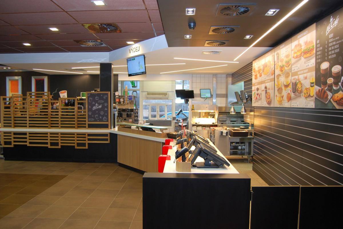 Zrenovovaná restaurace na Jižní spojce v ulici Sulická