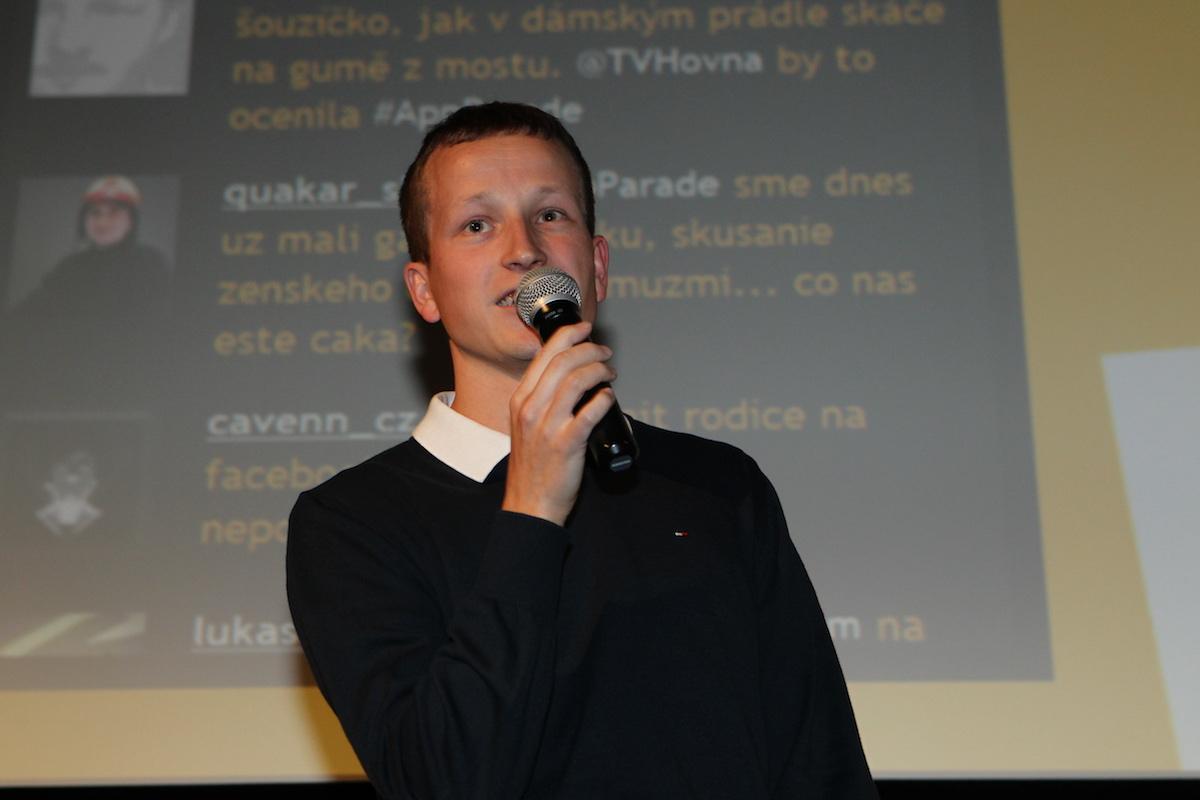 Adam Böck přišel s bezelstně upřímnou a úsporně humornou prezentací Gólů z ligy. Publikum aplaudovalo
