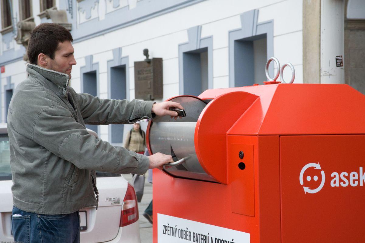 Asekol provozuje speciální kontejnery pro elektronický odpad