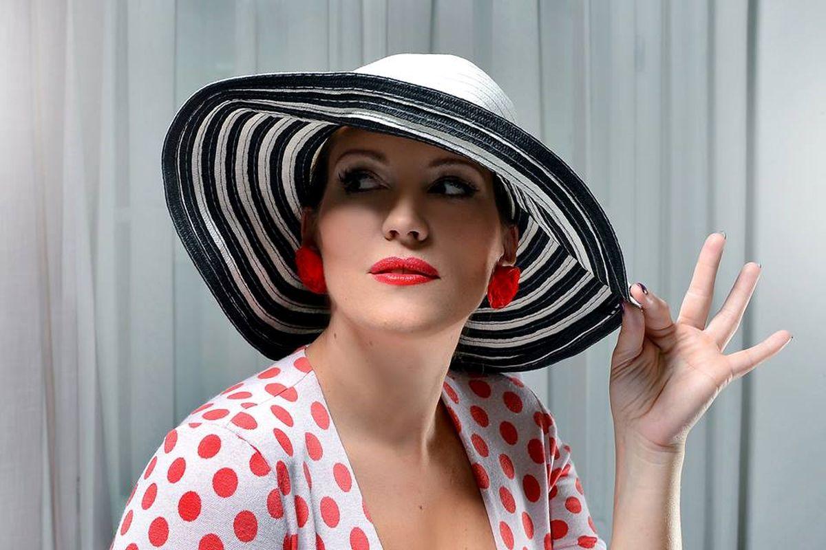 Tváří značky se stala designérka a stylistka Petra Kurschová