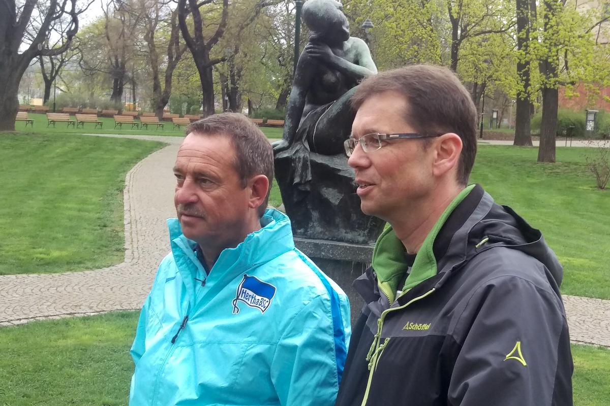 Natáčení přihlíželi šéf českého Kauflandu Christian Karnath (vlevo) a mluvčí Michael Šperl
