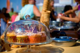 Ulice ožijí veganskou, masovou i syrovou kuchyní