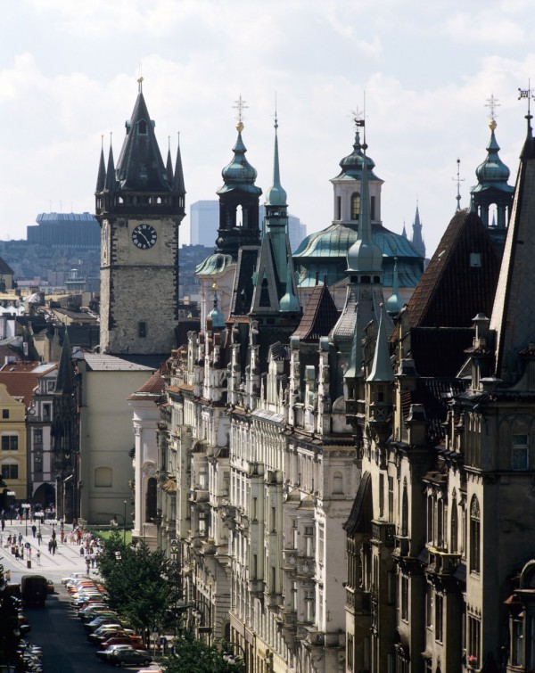 Pařížská ulice v Praze, oblíbené místo pro luxusní značky, které v Praze hojně expandují. Ilustrační foto: Profimedia.cz