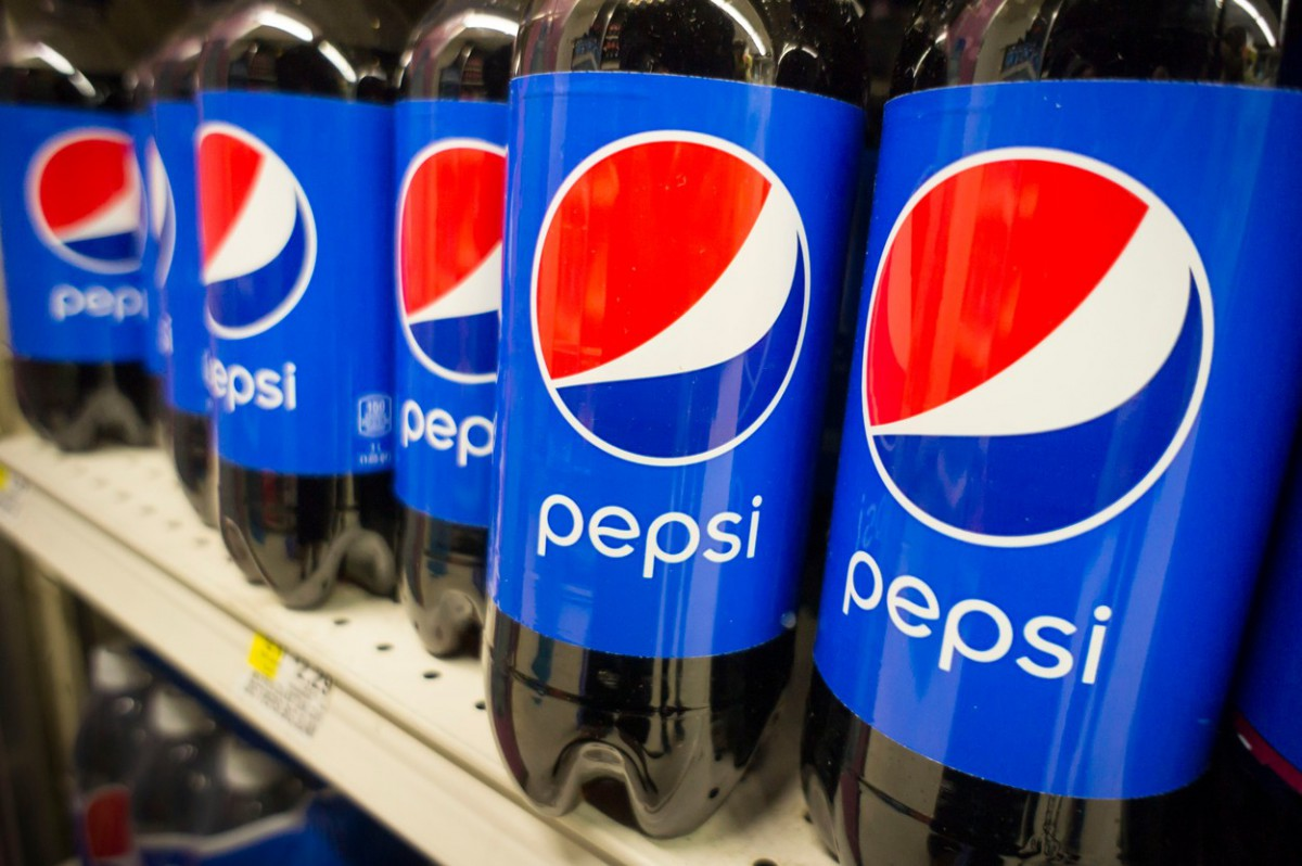 PepsiCo nově sladí cukrem místo fruktózo-glukózového sirupu. Ilustrační foto: Profimedia.cz