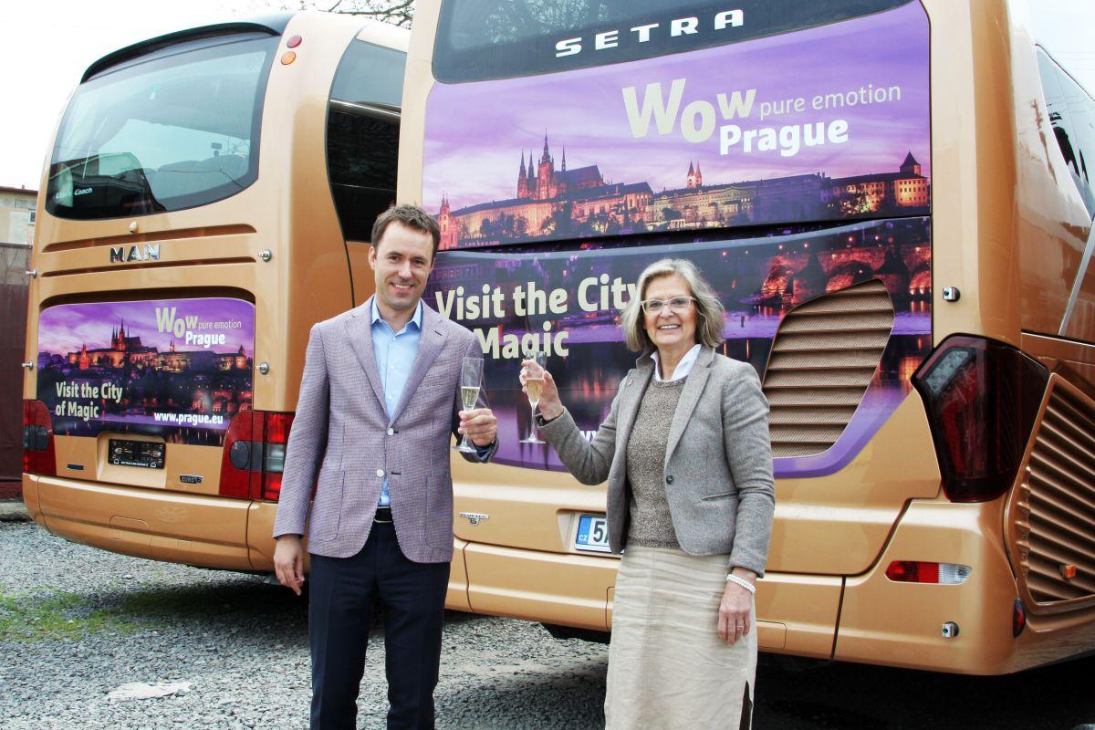 Ředitelka Prague City Tourism Nora Dolanská s výkonným ředitelem Vega Tour Milošem Capouškem
