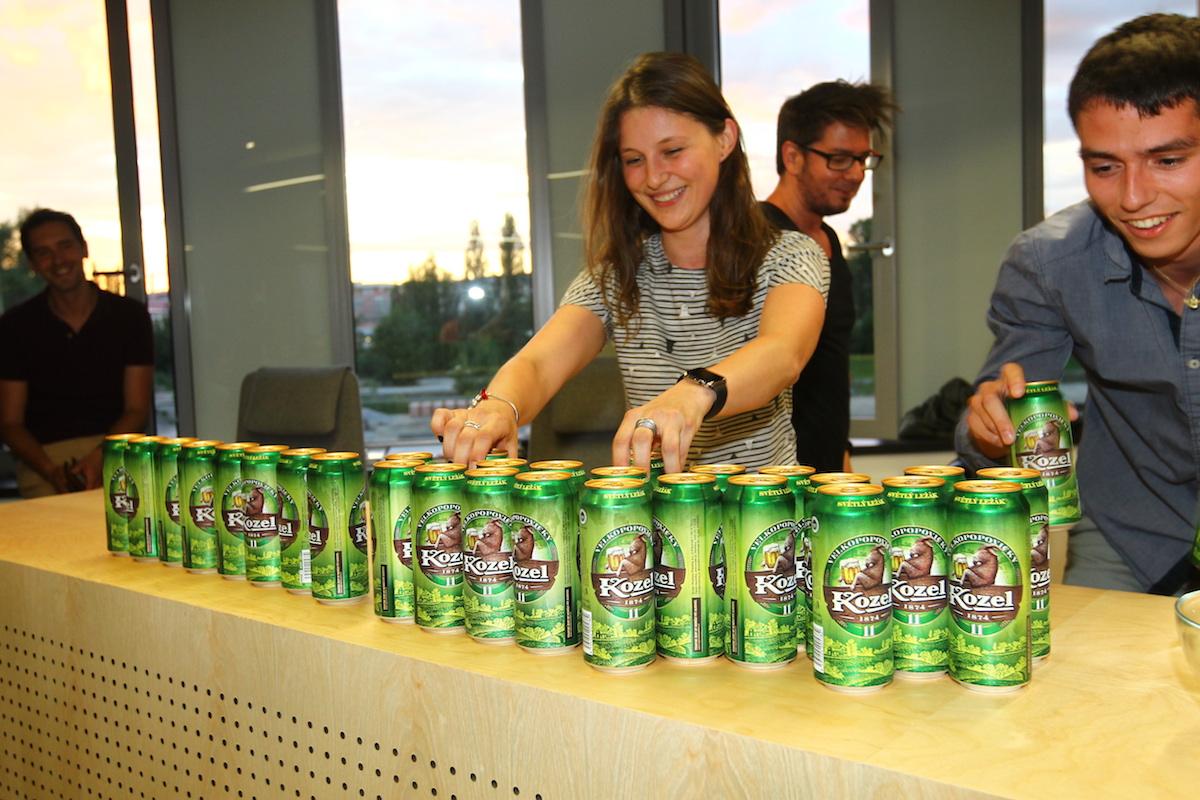 Kolegové z Strv bleskově připravili pivní bar