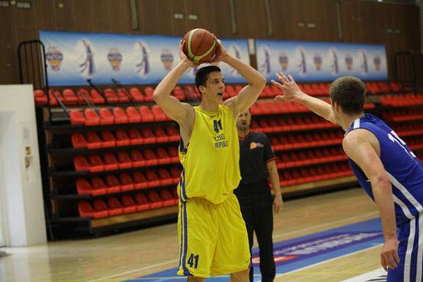 Český mužský basketbalový tým bojuje o postup do Ria