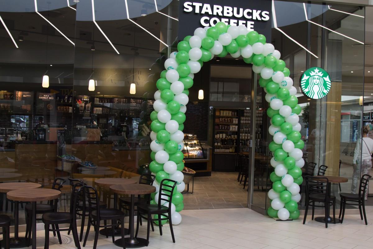 Nová kavárna Starbucks se otevřela minulý týden v OC Letňany