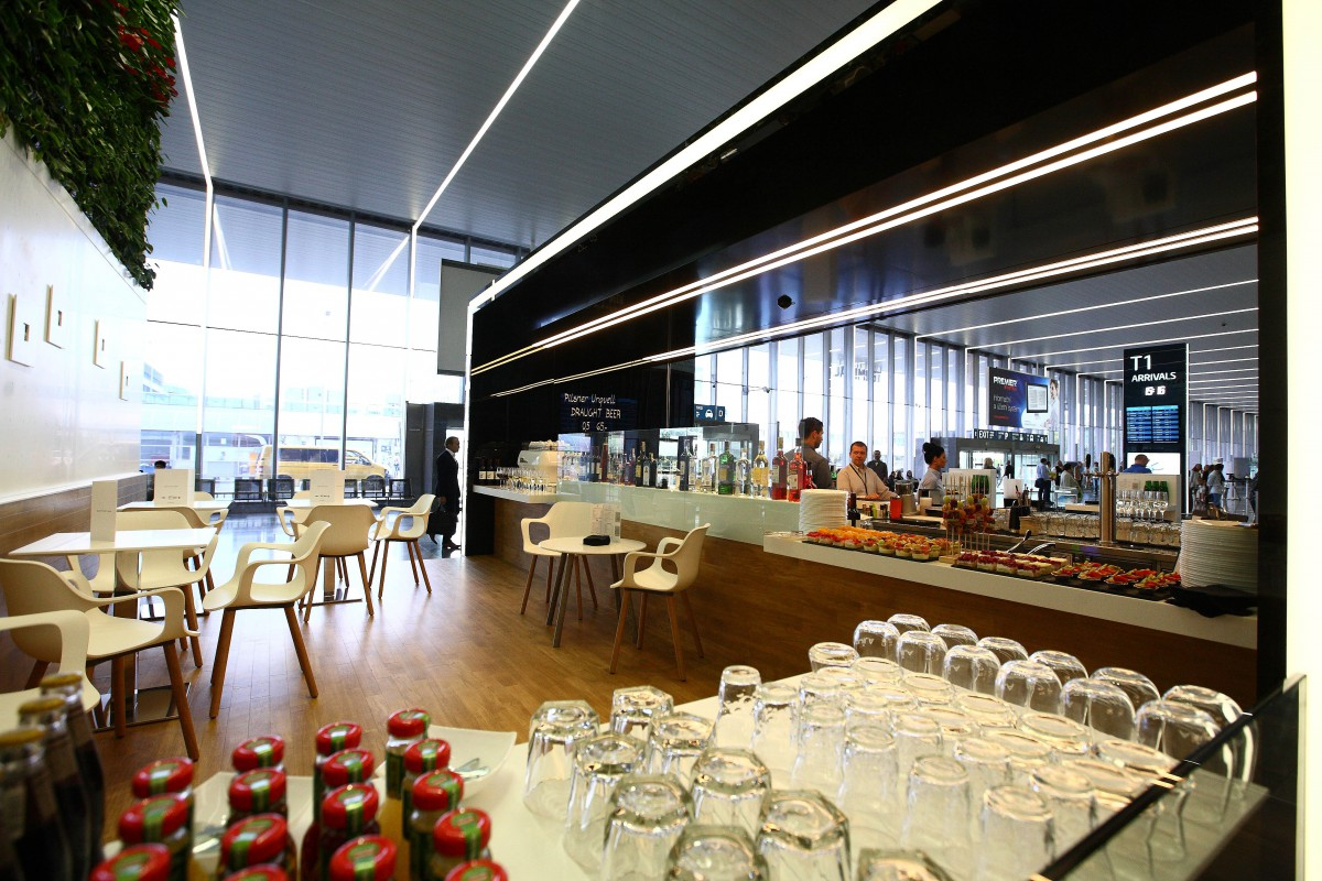 Nový Mattoni bar se otevřel na terminálu 1