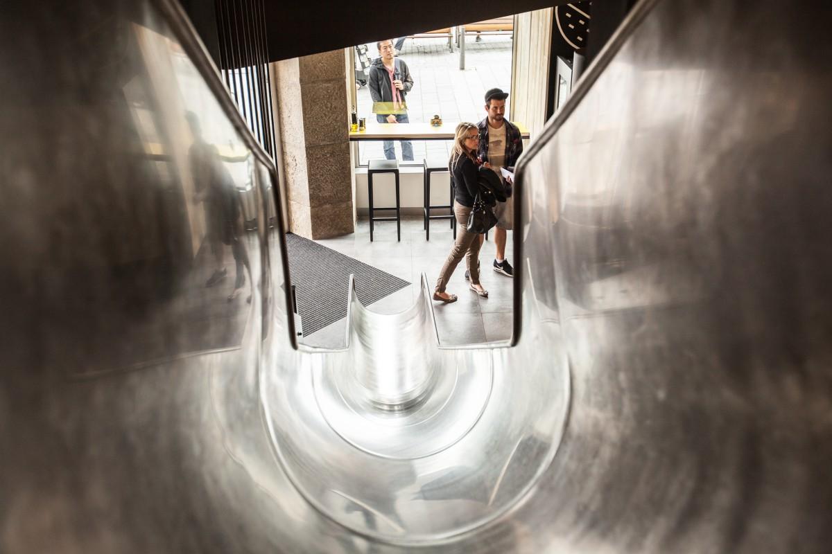 Moravské pobočky jsou vybavené novým prvkem - klouzačkami