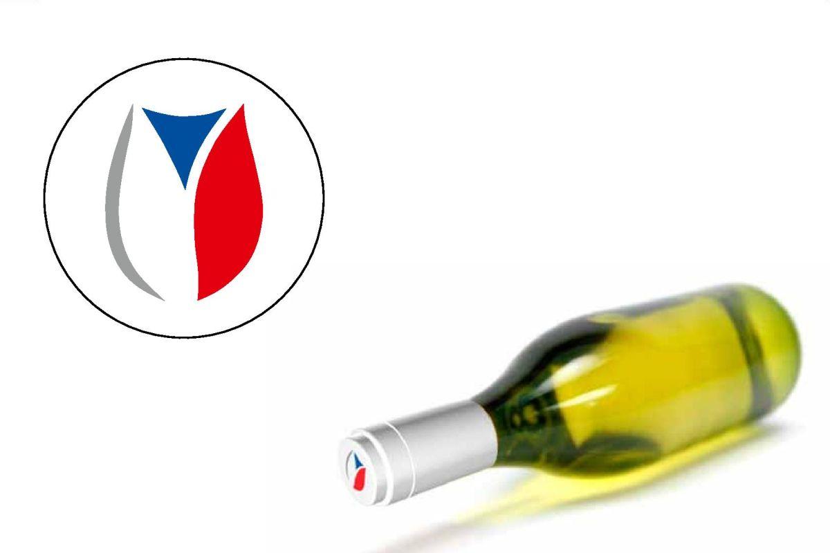 """""""Kalich v národních barvách"""" má spotřebitelům garantovat, že víno i hrozny pocházejí z Česka."""