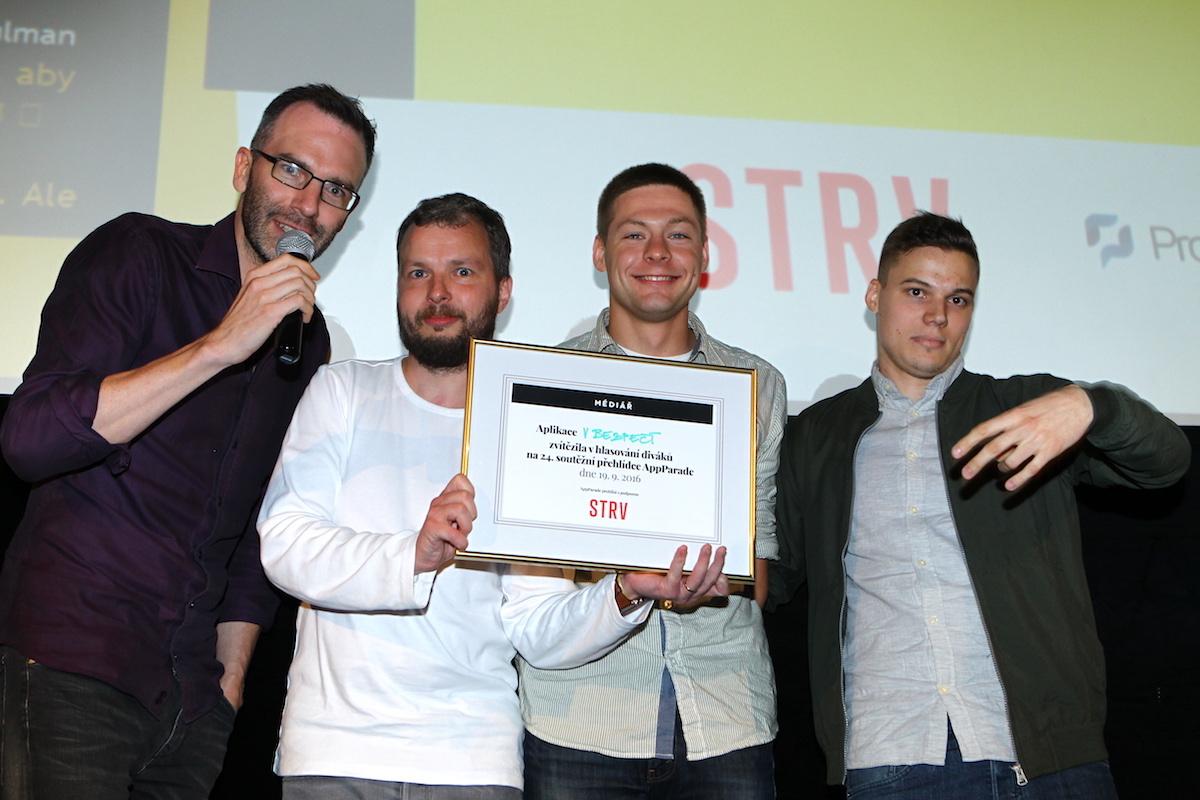 Organizátoři s vítězi z Medical Information Technologies