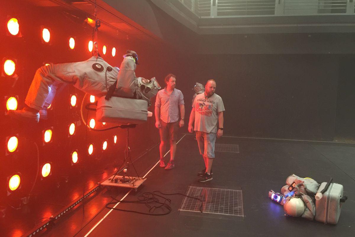 Ve spolupráci s divadelním souborem Vosto5 vzniká virtuální představení s možností diváka účastnit se děje