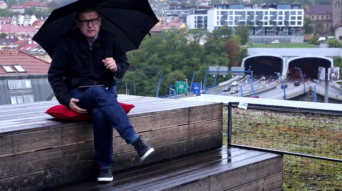 Jindřich Šídlo natáčí svůj - doufá - legrační pořad