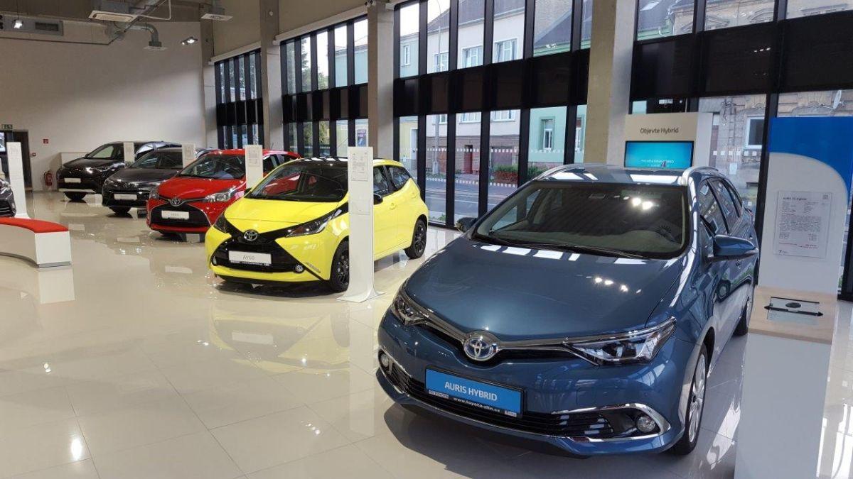 Do roku 2017 chce mít Toyota v Česku 35 dealerství