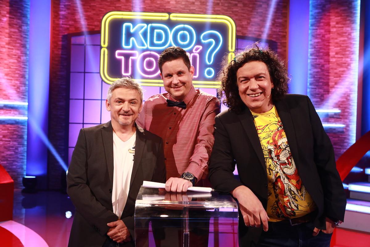 Michal Suchánek, Michal Novotný a Richard Genzer v české verzi zábavní show Kdo to ví?