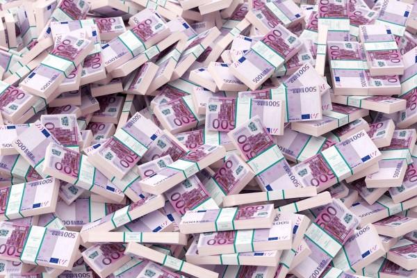 AKA: výdaje do reklamy přesáhly 80 miliard Kč
