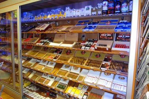 Stát chystá omezení reklamy na alkohol a tabák