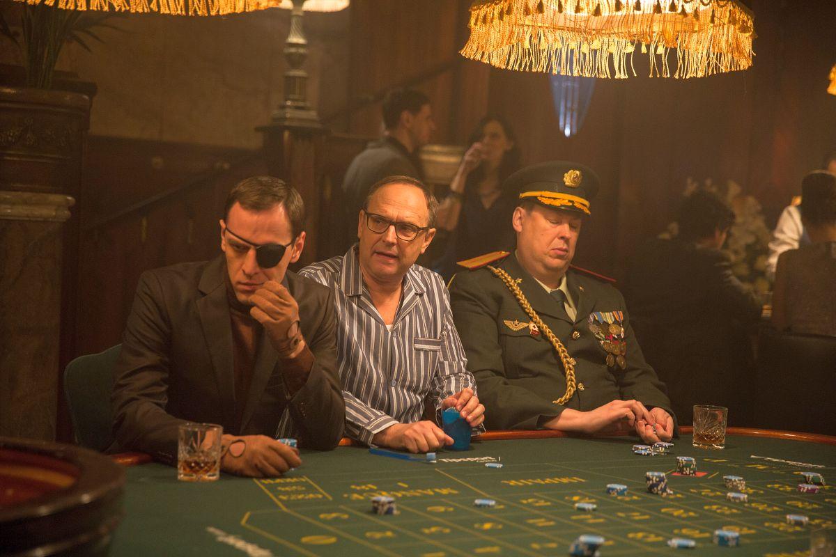 """V reklamě Tipsportu se mezi """"typickými návštěvníky"""" kasin zjeví chlapík v pyžamu, představovaný Pavlem Kikinčukem"""