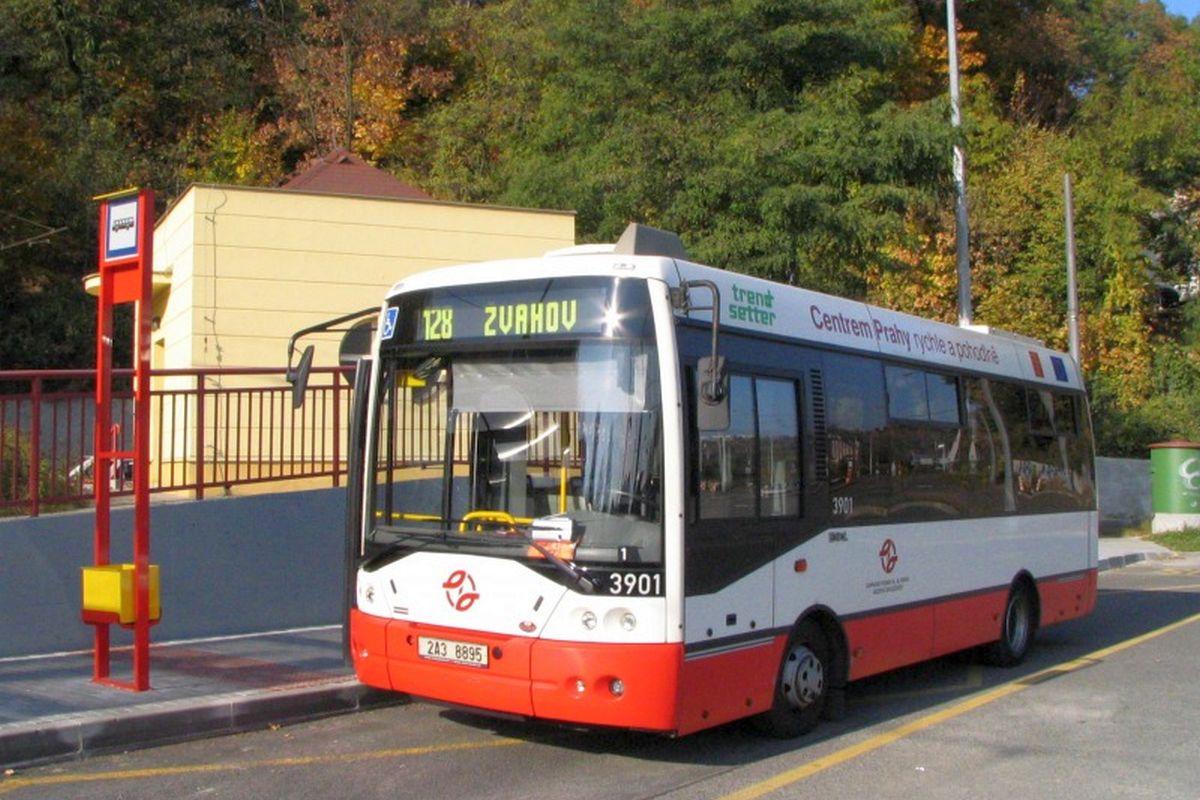 Dopravní podnik Praha se seznámil s nabídkami na provozování reklamních ploch na autobusech, tendr ale zastavil pražský obvodní soud