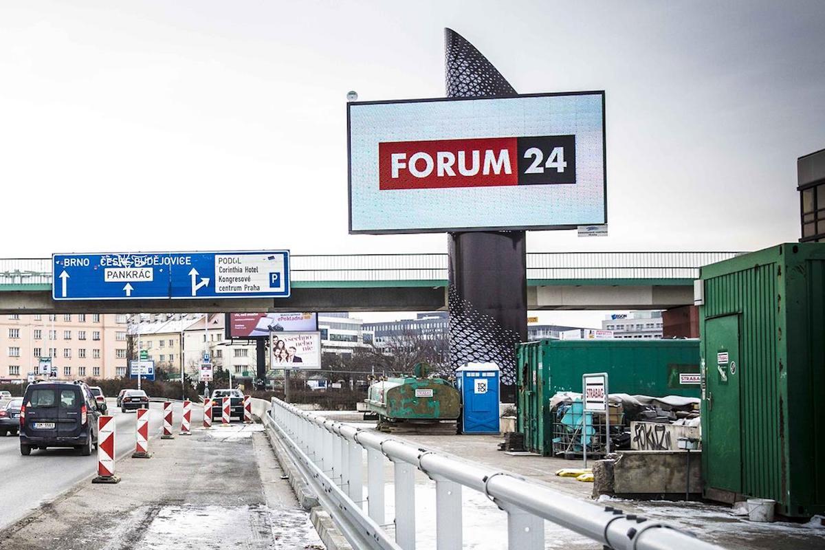 Forum 24 se propaguje u dopravních tepen metropole. Repro: Forum 24