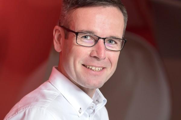 Vodafone bude řídit Báča, někdejší šéf mBank