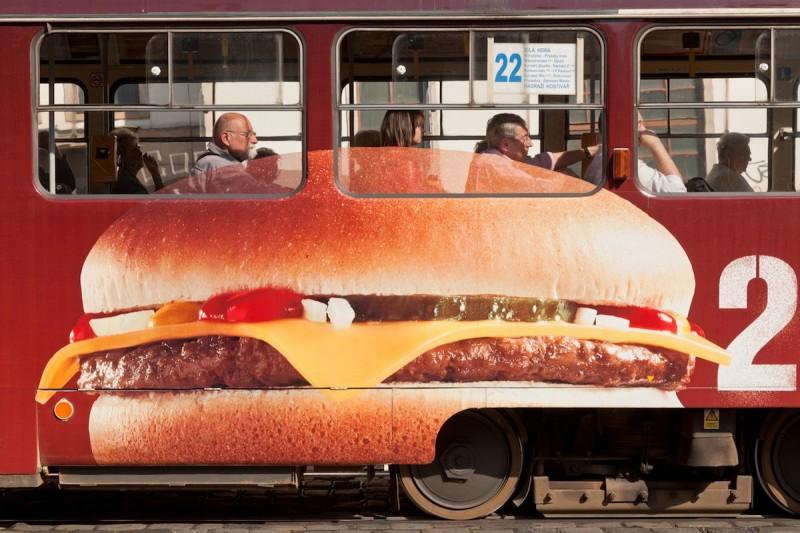 """Nic moc burgery, ale memy McDonald's topka"""