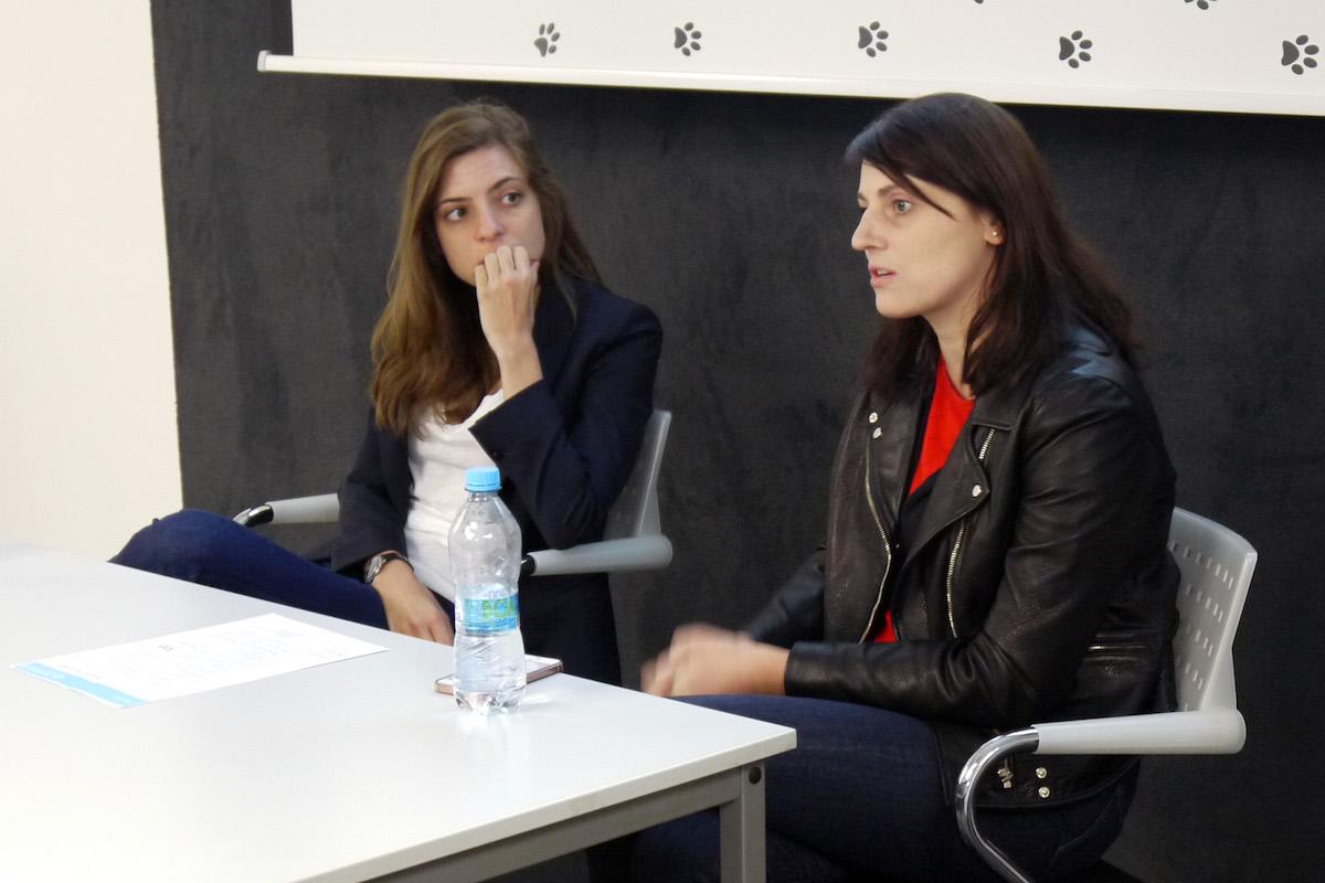 Předsedkyně poroty Dora Pružincová (vlevo) a Sandra Štefaniková z Nadace Charty 77. Foto: Honza Marcinek