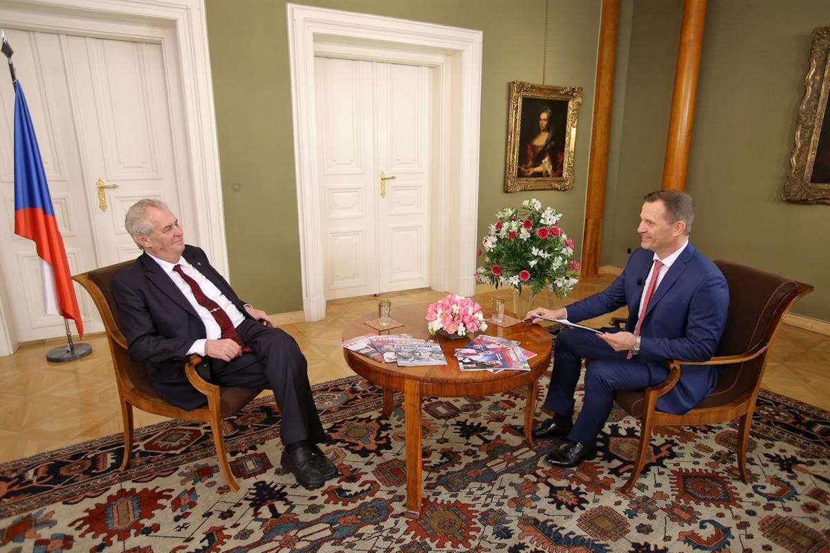 Prezident Miloš Zeman v rozhovoru s majitelem televize Barrandov Jaromírem Soukupem. Foto: TV Barrandov