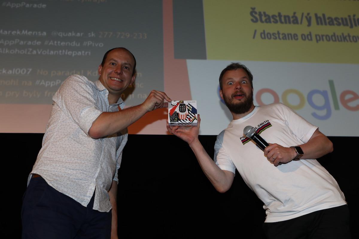Vítězi připadl i nový model legendární Nokie 3310. Foto: Tomáš Pánek