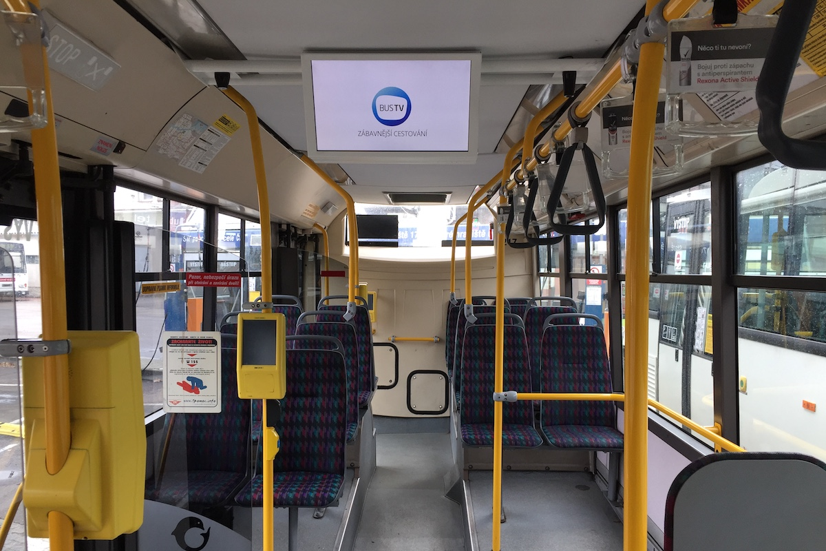 Bus TV v Pardubicích využívá nové obrazovky o poměru stran 16:9