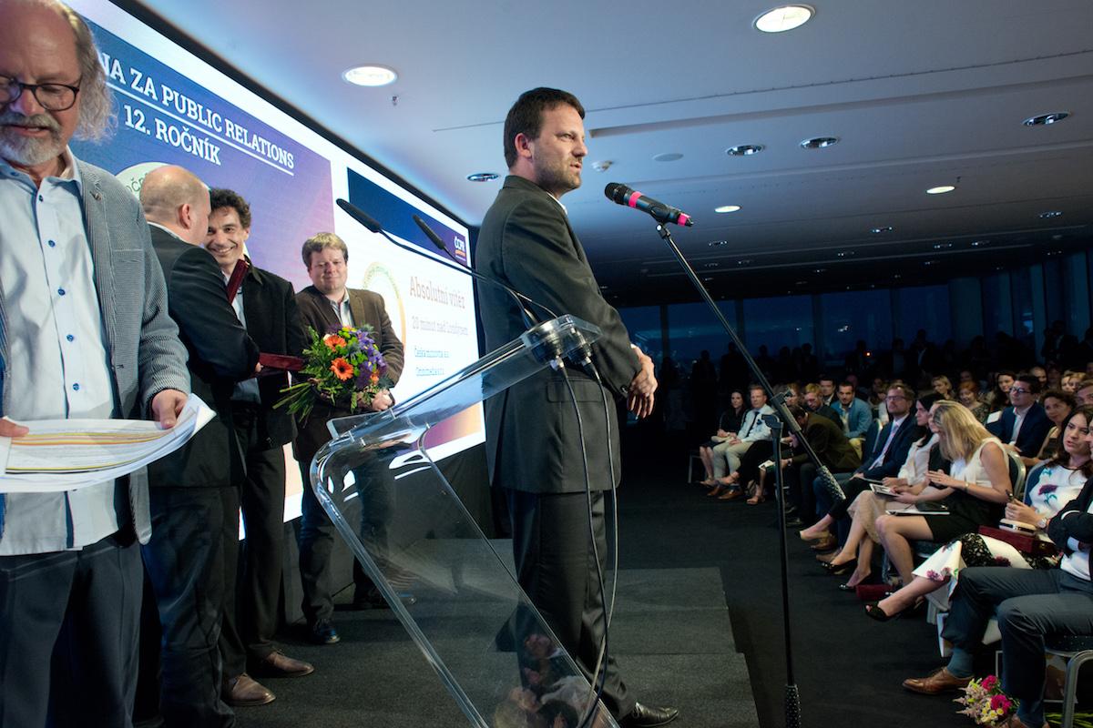 Předseda APRA Jan Kučmáš chválí organizaci akce