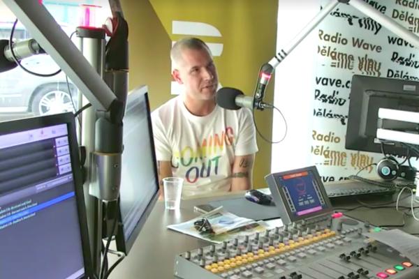 Vladimir 518 vs. veřejnoprávní Radio Wave