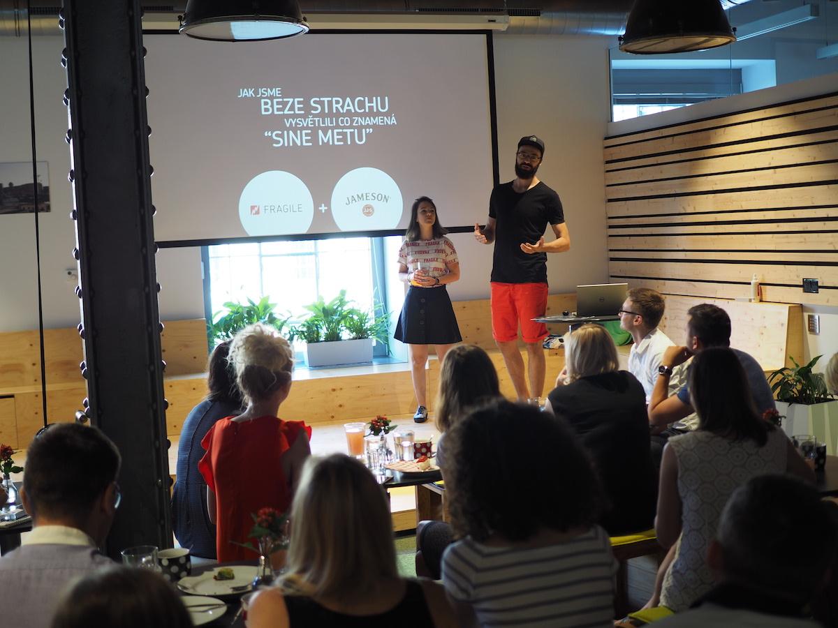 Klára Stehlíková a Daniel Seman na snídani Fragile Media pro klienty