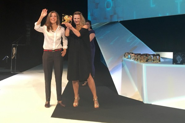 Y&R mají z Cannes zlato a stříbro za Newsweek
