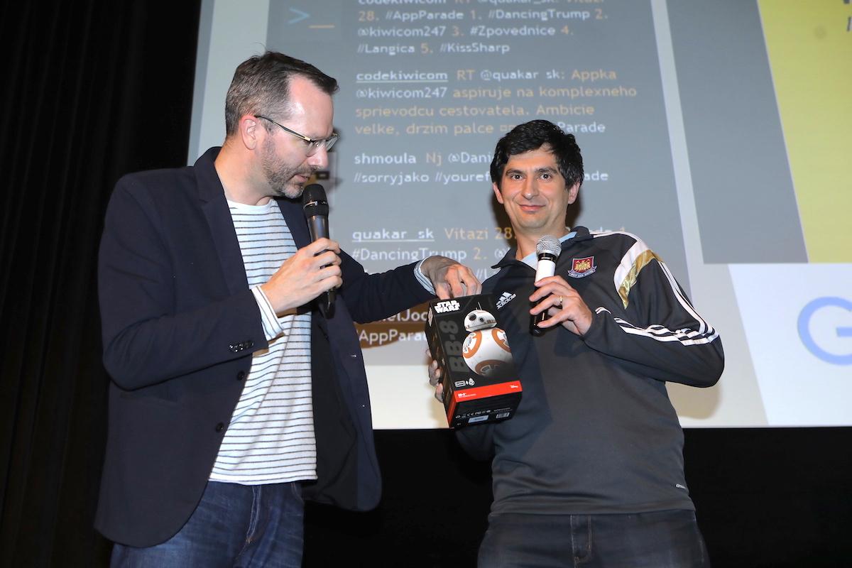 Droida Sphero si odnesl hlasující Michal