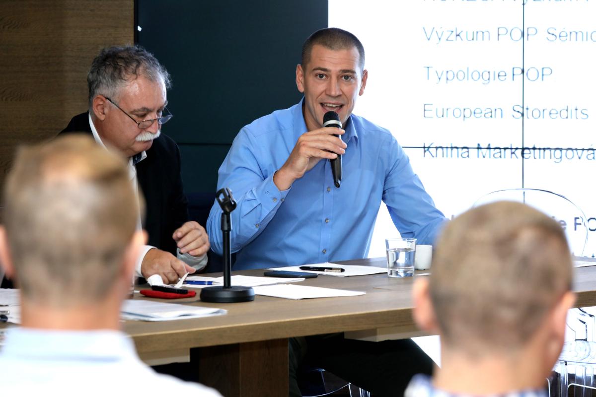 Zleva Zdeněk Sobota, viceprezident Popai CE, a Daniel Jesenský, nově zvolený prezident Popai CE