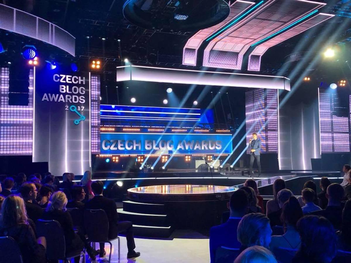 Velkolepá show pro televizi se letos odehrávala v prostorách pražského hotelu Hilton