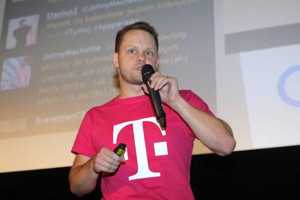 """""""Udělali jsme z florbalu lepší sport."""" T-Mobile vytvořil aplikaci pro český florbal"""