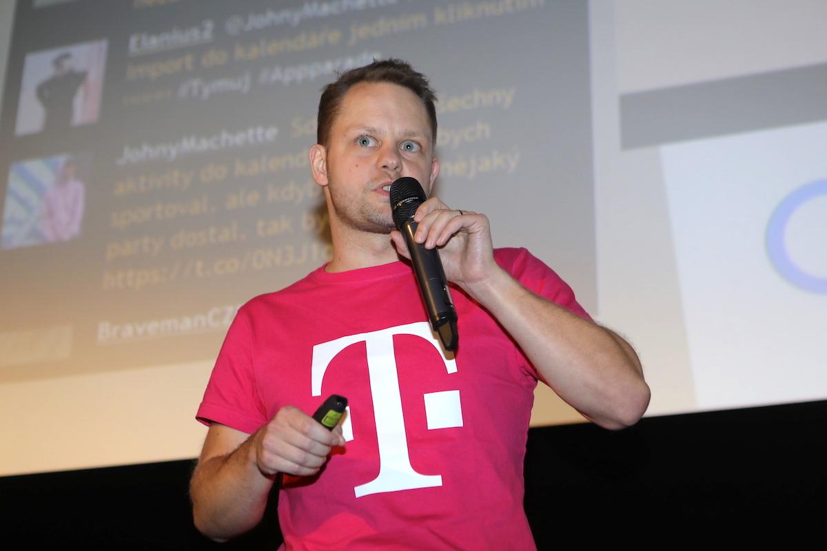 Tomáš Leixner přišel za T-Mobile ukázat Český florbal